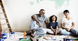 黑家庭绘画房子墙壁 免版税库存图片