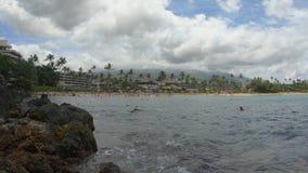 黑岩石和Kaanapali海滩,毛伊,夏威夷,美国 股票视频
