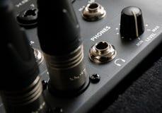 黑无线电耳机 免版税图库摄影