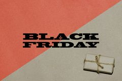黑星期五热的销售 题字是在工艺的黑星期五 免版税图库摄影