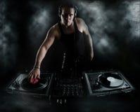 黑暗敲打- DJ混合 库存图片