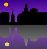 黑暗的反映城镇 皇族释放例证