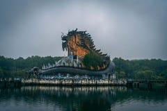 黑暗的旅游业吸引力Ho蒂伊连队放弃了waterpark,接近颜色城市,越南中部,亚洲东南部 免版税库存照片