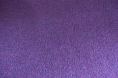 黑暗的紫罗兰色稀薄的简单的被编织的织品 免版税图库摄影