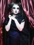 黑暗的美丽的哥特式公主。 免版税库存照片