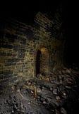 黑暗的铁路避难所隧道 免版税图库摄影