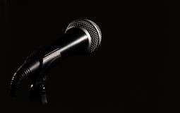 黑暗的mic 免版税库存照片
