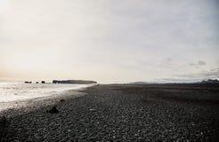黑海滩在冰岛 库存照片