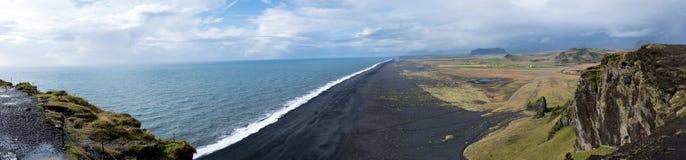 黑海滩, Dyrholaey视图 免版税库存照片