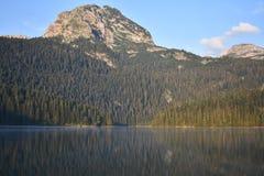 黑湖和Medjed锐化上面 免版税图库摄影