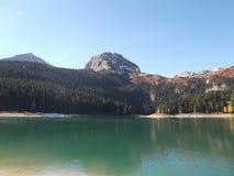 黑湖在秋天 库存照片