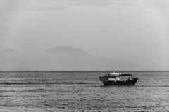 黑白渔船 图库摄影