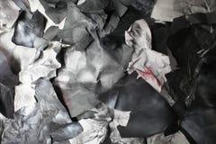 黑白纸被撕毁的张单色背景  库存照片