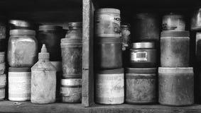 黑白葡萄酒储藏盒 免版税图库摄影