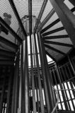 黑白螺旋形楼梯 图库摄影