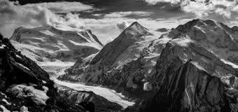 黑白Corbassiere的冰川 图库摄影