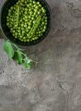 黑碗用绿豆, topview, copyspace 库存照片