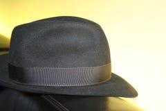 黑色典雅的帽子 免版税库存图片