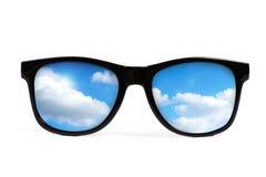 黑色反映天空太阳镜 免版税库存图片