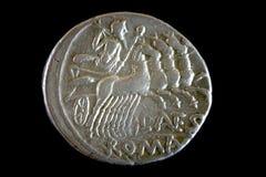 黑色古罗马货币查出repulican罗马 免版税库存图片