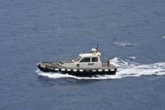 黑色小船飞行员白色 免版税库存照片