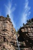 黑色峡谷瀑布 免版税库存图片