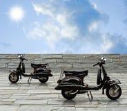 黑色摩托车vintqage 免版税库存照片