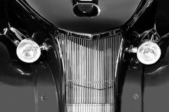 黑色旧车改装的高速马力汽车白色 图库摄影