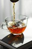 黑色杯子茶 免版税图库摄影