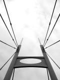 黑色桥梁塔白色 免版税库存图片