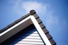 黑色清楚的屋顶天空 库存图片
