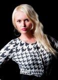 黑色白肤金发的企业女性俏丽的类型&# 库存图片