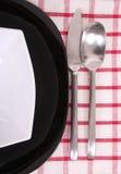 黑色的盘子白色 免版税库存照片