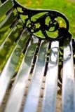 黑色的长凳倒空 免版税库存照片