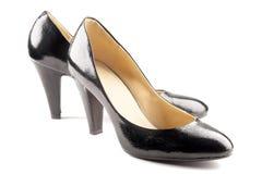 黑色皮革专利鞋子 库存图片