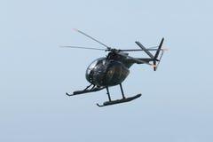 黑色直升机军人 库存图片