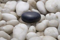 黑色石头 库存图片