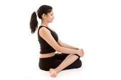 黑色礼服女孩印地安人瑜伽 库存照片
