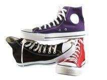 黑色蓝色经典红色运动鞋 库存照片