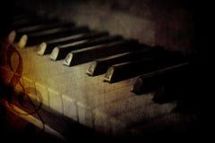黑色锁上钢琴白色 免版税库存图片