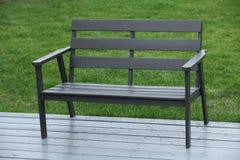 黑色长木凳 免版税图库摄影