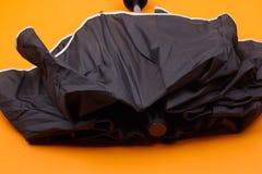 黑色闭合的伞 免版税图库摄影
