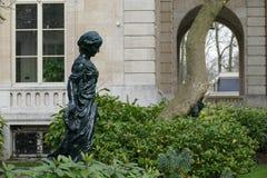黑色雕塑 免版税库存图片