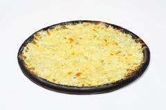 黑色4薄饼乳酪用在白色背景的白汁 免版税库存照片