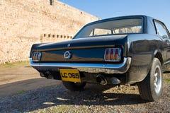 黑色Ford Mustang 库存照片