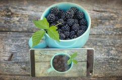 黑莓和手机 免版税库存照片