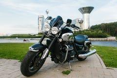 黑跑车摩托车2 免版税图库摄影