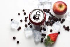 黑醋栗鸡尾酒,刷新的健康汁液饮食 冷饮料 免版税库存图片