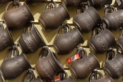 黑陶瓷-其中一个陶瓷的种类,烧由特别技术-在一个wood-burning火炉 免版税库存照片
