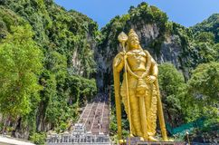 黑风洞是有一系列的洞和洞寺庙在Gombak,马来西亚的石灰石小山 免版税库存图片
